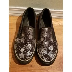 Spiderweb Converse slip ons